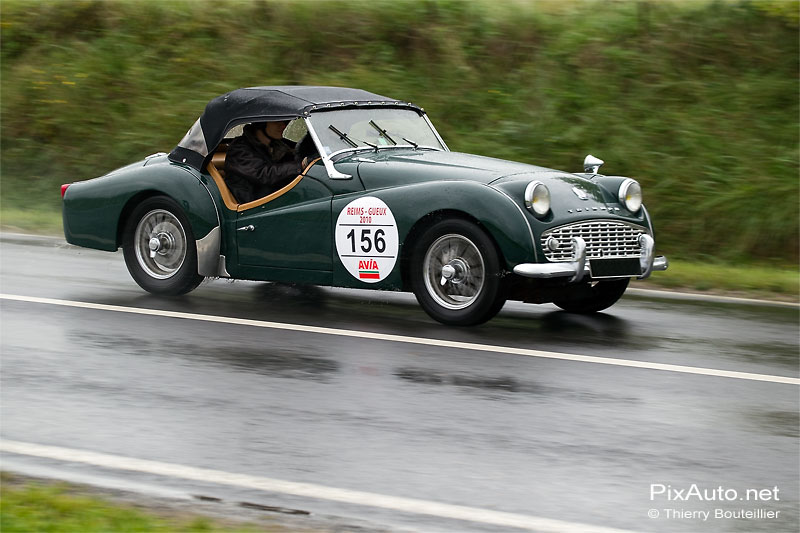 Triumph TR3 Cabriolet excellence automobile de reims