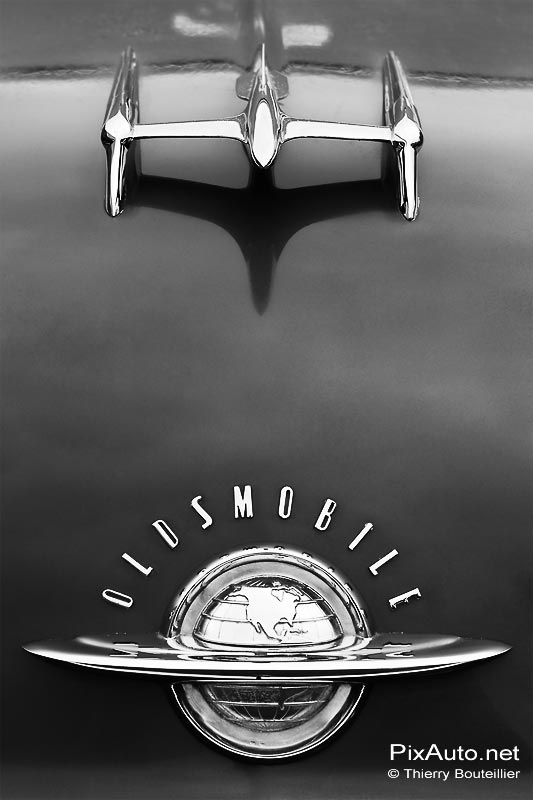 Mascotte Oldsmobile, salon Automedon