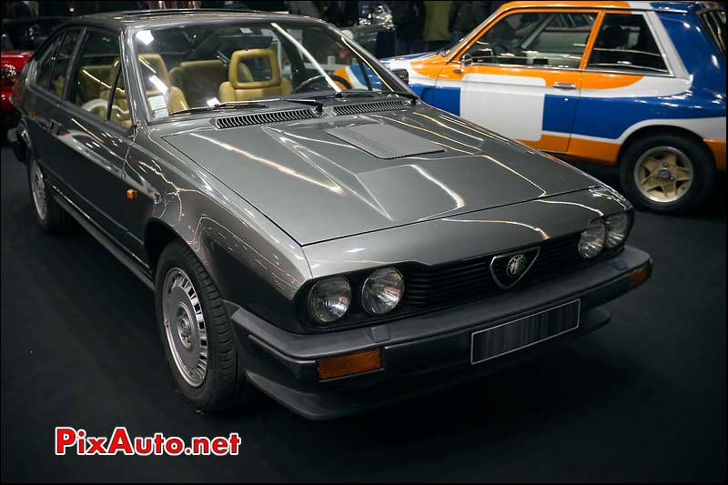 Alfa Romeo GTV salon retromobile