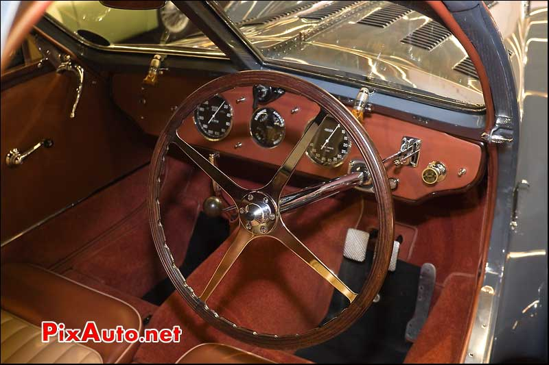 Habitacle Bugatti Atlantic salon retromobile