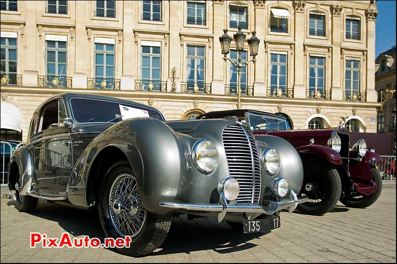Delahaye 135 rallye paris deauville place vendome