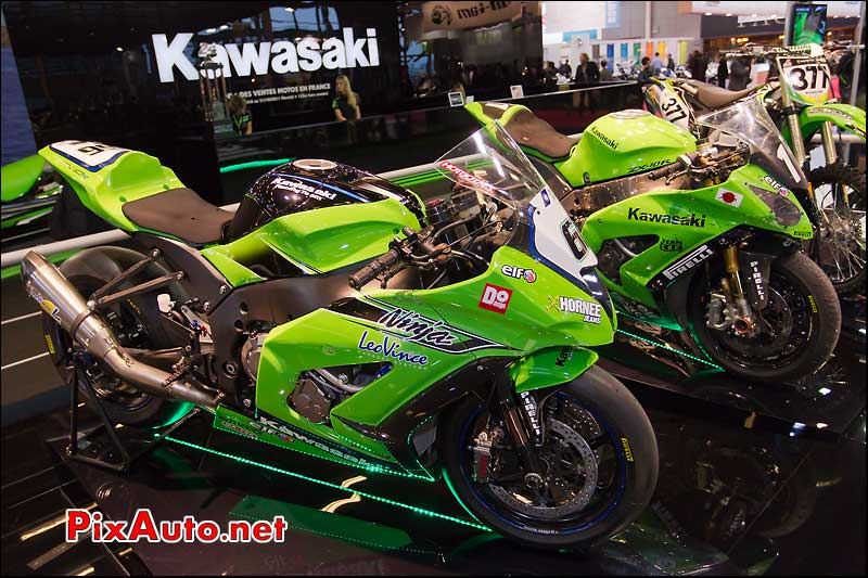 kawazaki racing team Ninja zx10r superbike 2011