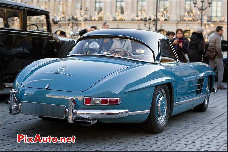 Mercedes-Benz 300SL traversee de paris