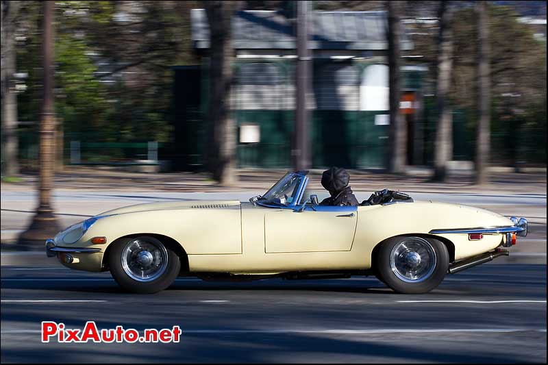 Jaguar Type E traversee de paris