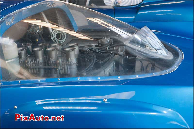 carburateurs moteur V8 du prototype alpine a211