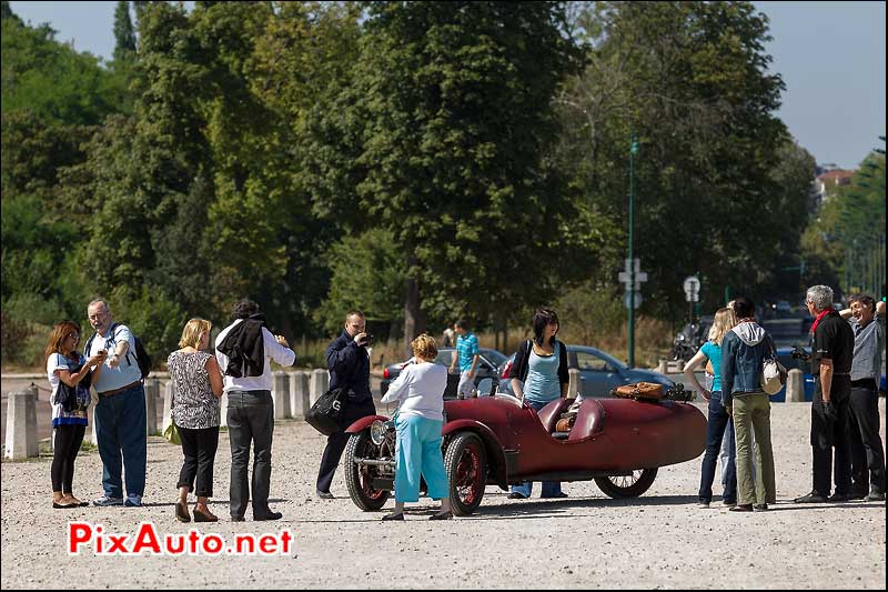 attroupement tricyclecar darmont-special