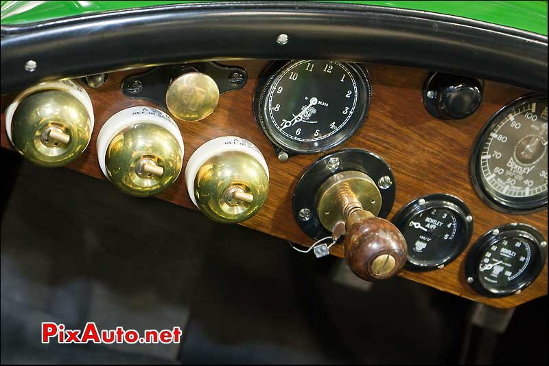retromobile tableau de bord bentley 1138 stand fiskens