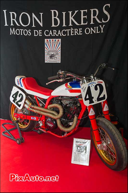 honda RS750 scrambler sur le stand Iron Bikers Salon Moto Legende