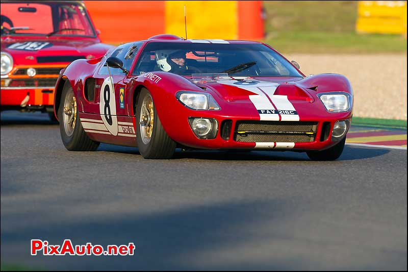 ford gt40 de Leo Voyazides et Simon Hadfield spa six hours