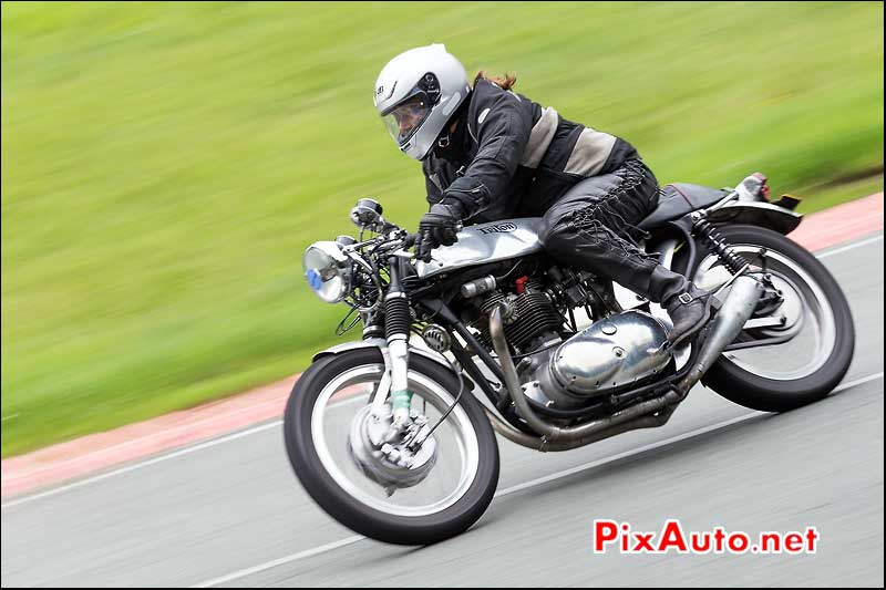 Iconic Triton, cafe-racer-festival 2013, circuit Linas-Montlhery