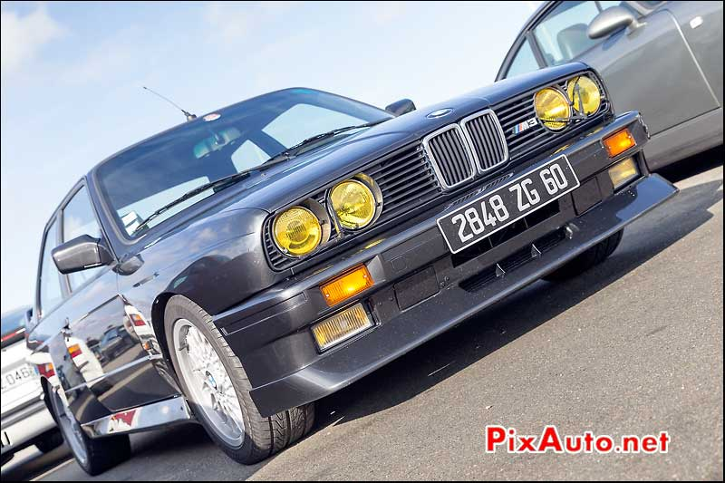 BMW M3 E30, Parkings Salon Automedon