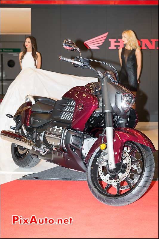 Honda Gold-Wing F6C rouge bordeaux, salon-de-la-moto Paris