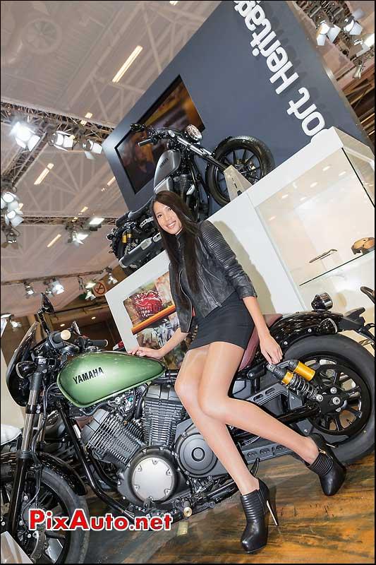 Salon de la moto scooter et du quad yamaha for Hotesse salon moto