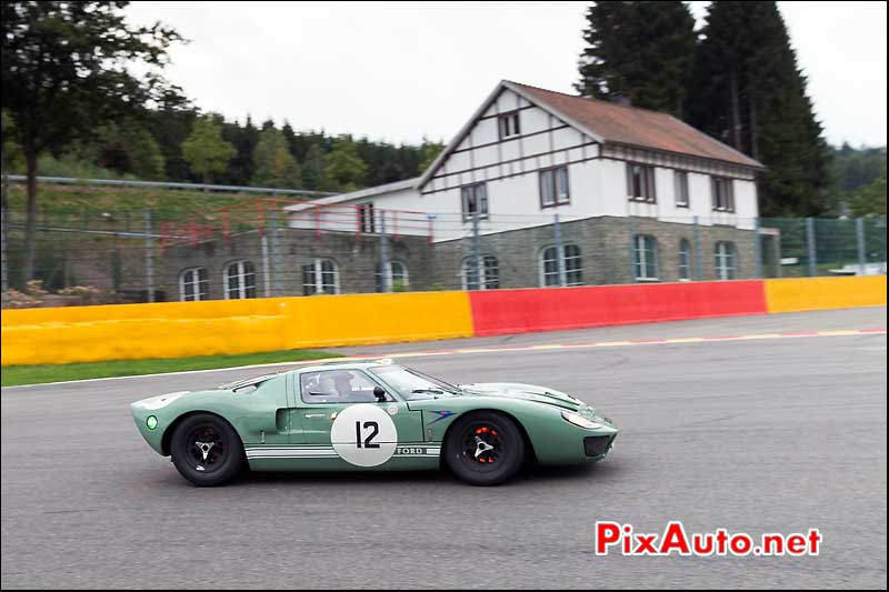 Ford-GT40 numero12 a la Source, Spa-Six-Hours