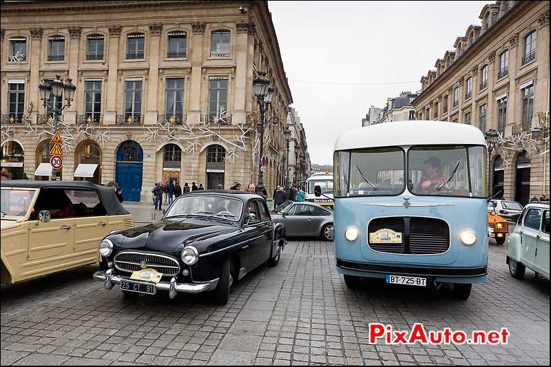 renault fregate et bus renault, place vendome paris