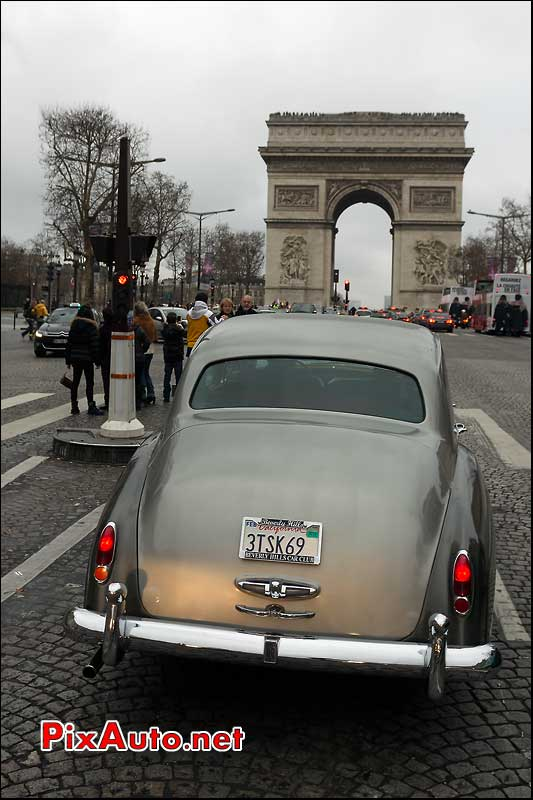 rolls-royce, avenue des champs elysees, traversee de paris