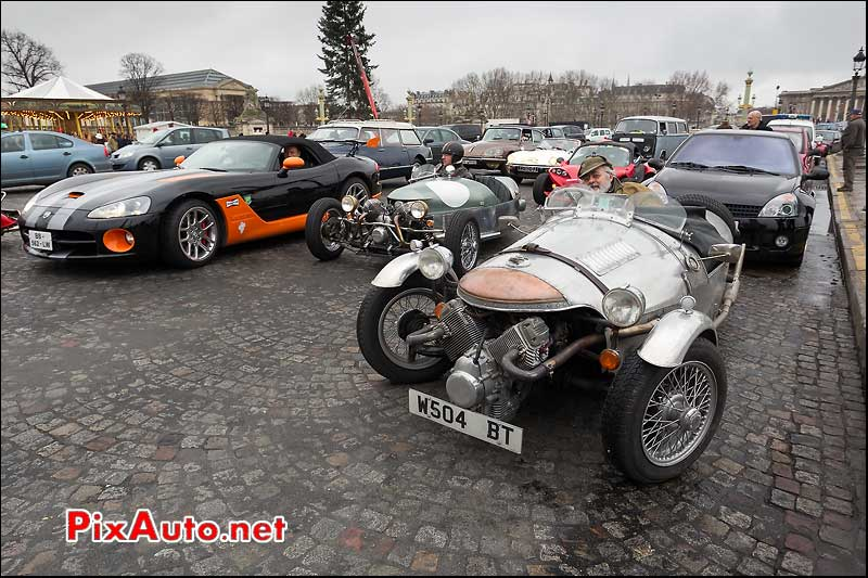tricyclecar, dodge viper, traversee de paris