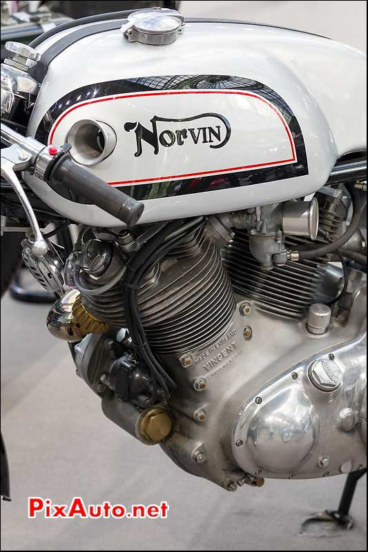Norvin V-Twin Vincent black-shadow, exposition Bonhams grand palais