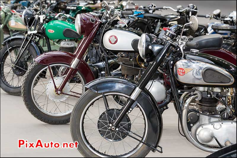 sigles motos BSA, exposition Bonhams grand palais