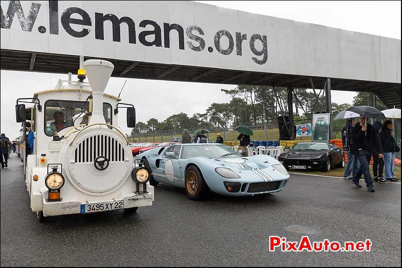 Confrontation petit train Ford GT40, Le Mans Classic