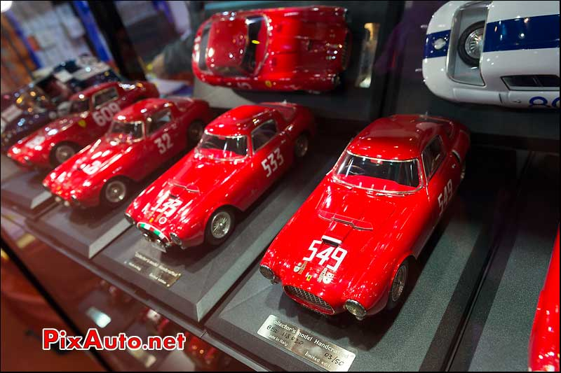 Vitrine Ferrari Miniature, salon retromobile 2014