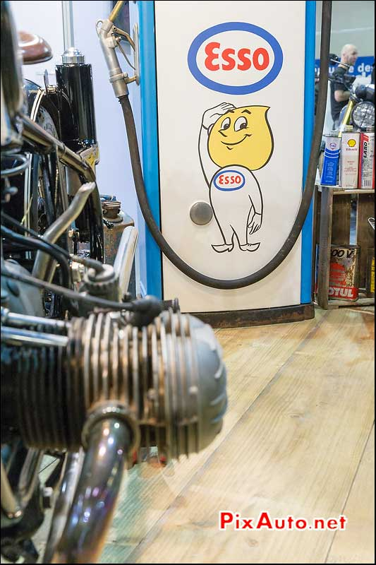 Salon Moto Legende, Mascotte Petrolier Esso