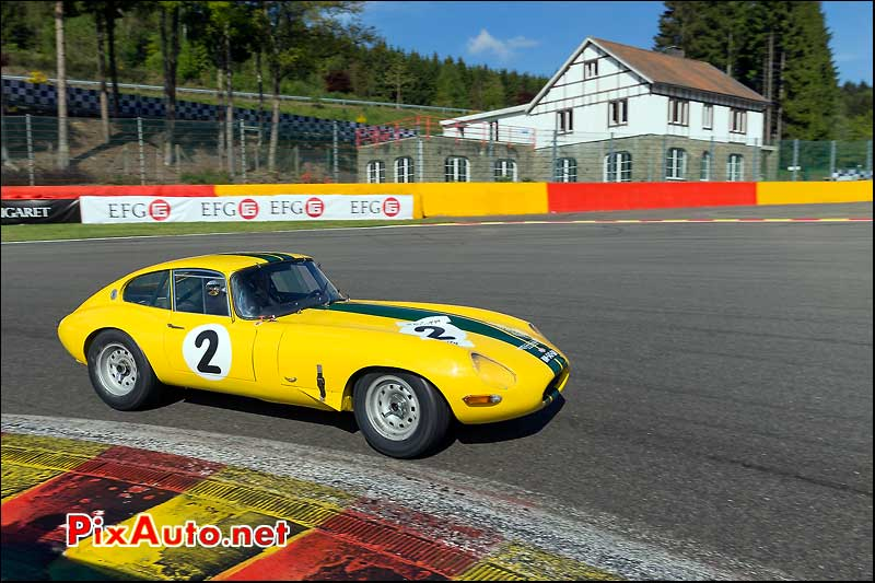 Jaguar E-Type 1962, sixties endurance SPA-Classic, virage la source