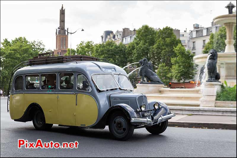 Bus Citroen Type U23, Traversee de Paris estivale