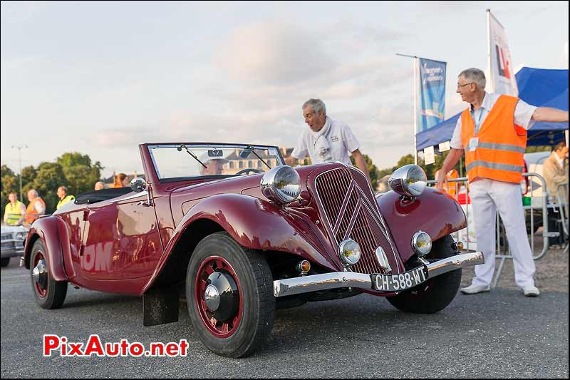 Citroen Traction Cabriolet, Traversee de Paris estivale
