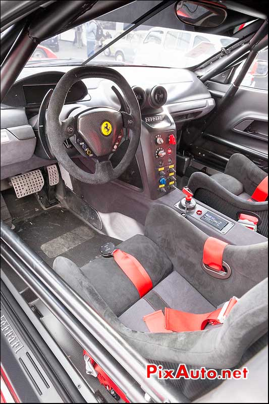 Habitacle Ferrari 599XX, RM-Auctions Paris