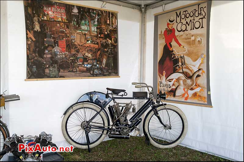 Vintage Revival Montlhery 2015, motocyclette Indian Camelback