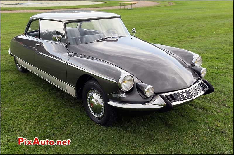 Chantilly-Arts-&-Elegance-Richard-Mille, Citroen DS 19 Le Concorde