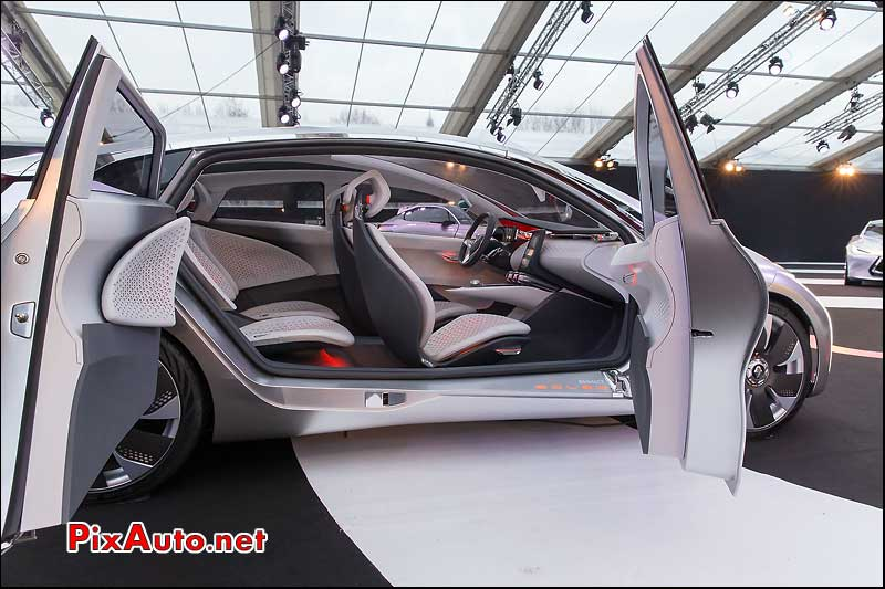 Exposition Concept-Cars, Renault Eolab Portes Antagonistes