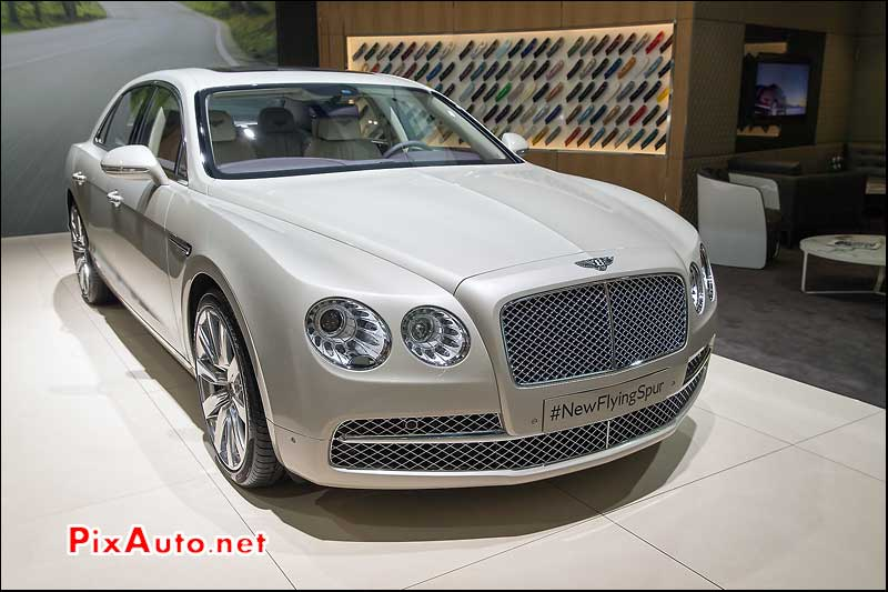 Salon De Geneve, Berline Bentley Flying Spur W12