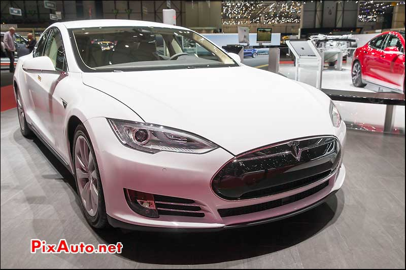 Salon De Geneve, Tesla Model S P85D