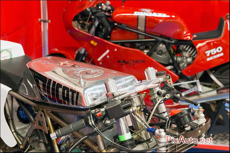 Salon-Moto-Legende 2015, Ducati