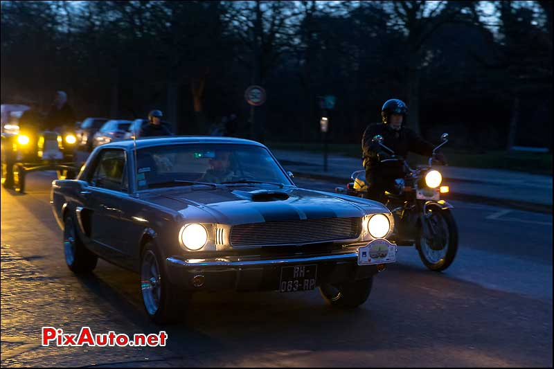 15e Traversee de Paris, Ford Mustang