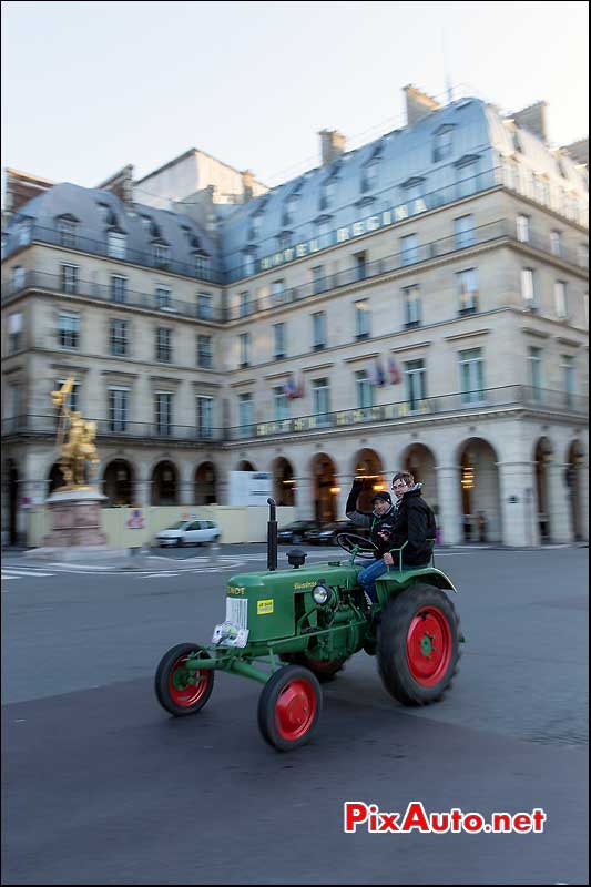 Traversee de Paris 2015, Tracteur Fendt Dieselross