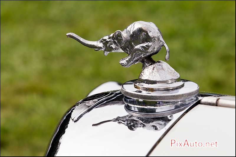 Chantilly-Arts-&-Elegance, Mascotte automobile Elephant