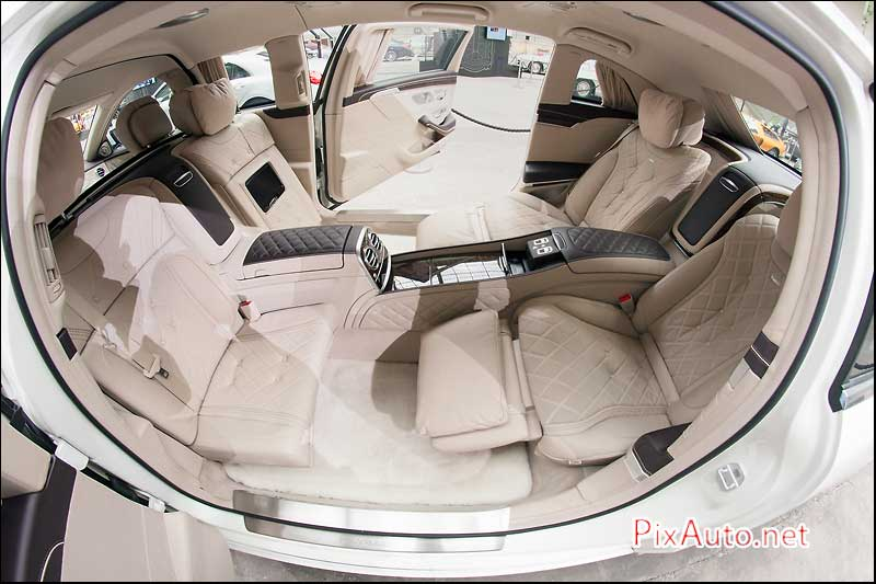 Les-Belles-Etoiles, Habitacle Maybach S600 Pullman