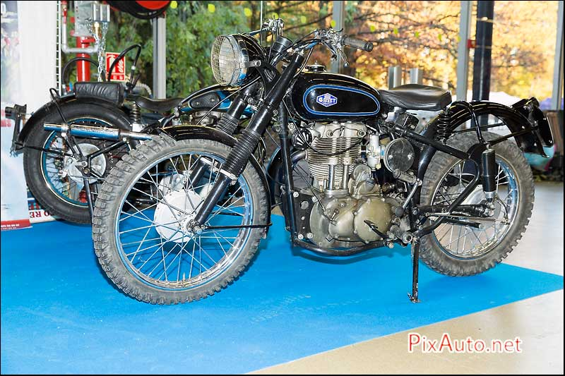 19e salon moto legende ode au patrimoine motocycliste 4 5. Black Bedroom Furniture Sets. Home Design Ideas