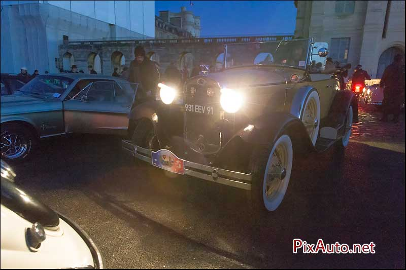 Traversee-de-Paris 2016, Roadster Ford A