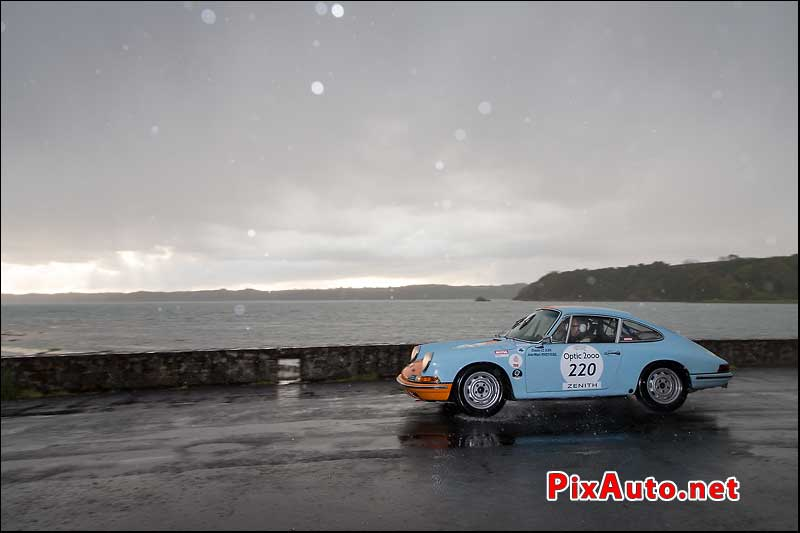 Tour-Auto-Optic-2000, Porsche 911 #220, a Port La Duc