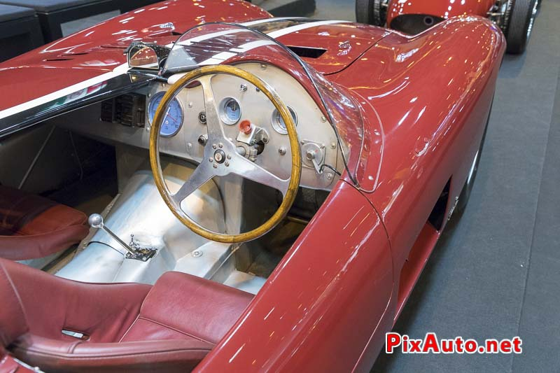 Salon-Retromobile, Maserati 300S tableau de bord