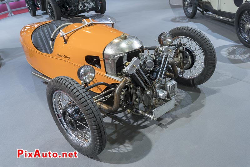 Salon-Retromobile, Tricyclecar Morgan Atomic Orange