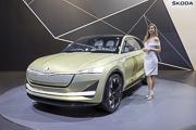 Brussels-Motor-Show, Skoda Vision E Concept et hotesse