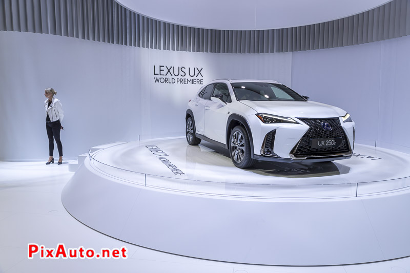 Salon-de-Geneve, New Lexus Ux