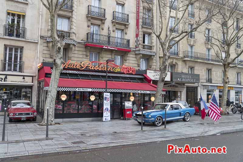 Traversee-de-Paris Hivernale, Pause Au Cafe Auto Passion