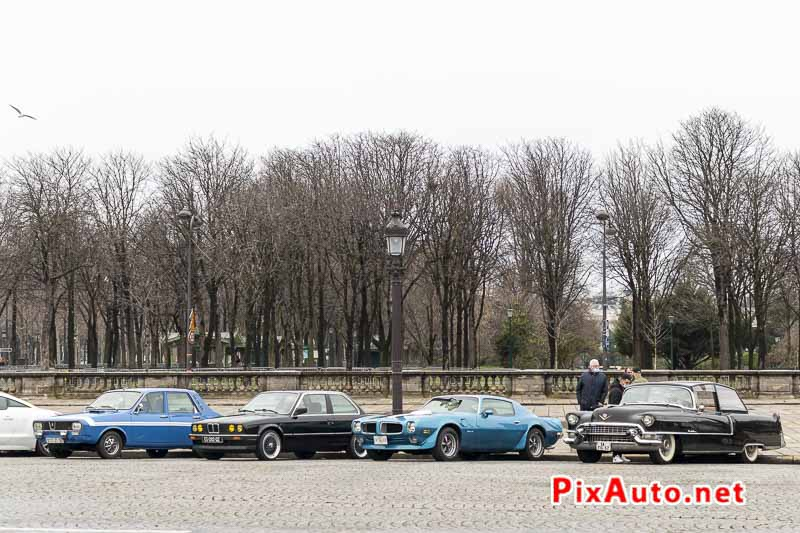 Traversee De Paris, automobiles anciennes Place de la Concorde
